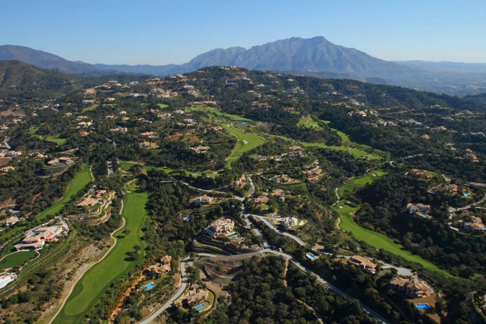 Ref:P100 Residential Plot For Sale in la zagaleta