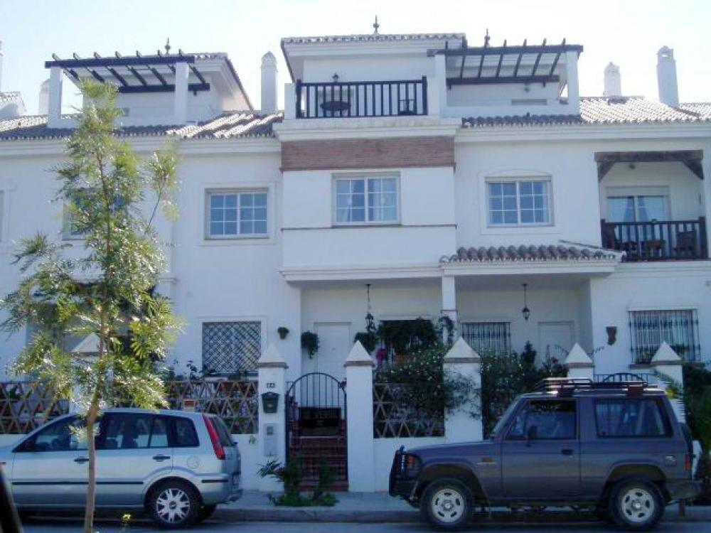 Ref:V 011 Townhouse For Sale in lauro golf